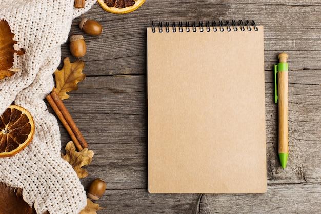 メモ帳、布、葉、乾燥オレンジ