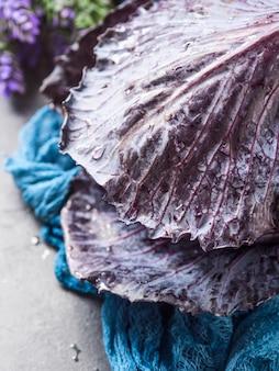 水滴と紫のキャベツ