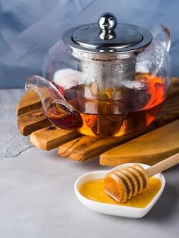 赤茶と蜂蜜のティーポット