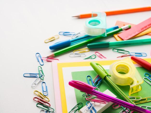 文房具カラフルな学校筆記用具アクセサリーペン
