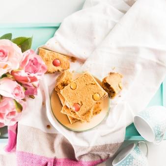お祝い朝食花ピーナッツバターの弓