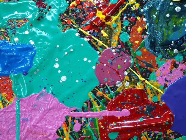 手描きの油絵。キャンバスに油彩画。マルチカラーの背景色。
