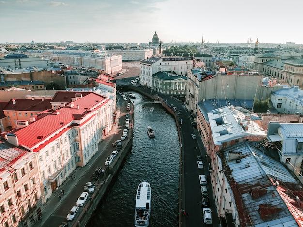 サンクトペテルブルクの中心部の空中写真、