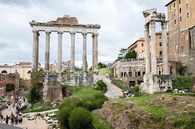ローマのフォーラムの遺跡。歴史的な野外博物館。