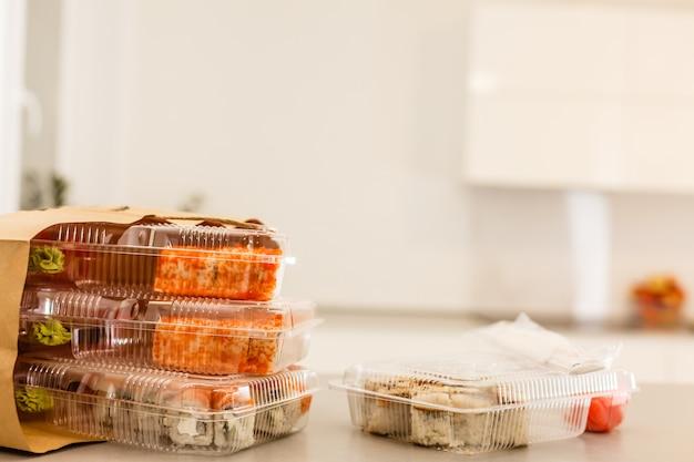 Еда на вынос макизуши