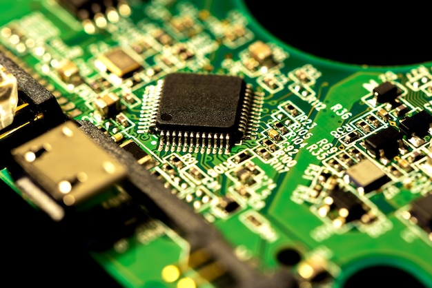 コンピューターチップの電子回路基板のマクロ写真