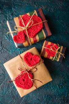 Вязаные сердечки на подарки
