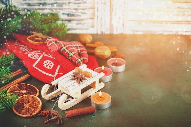 クリスマスの装飾と食べ物