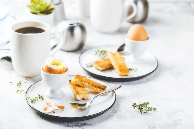 朝食用半熟卵