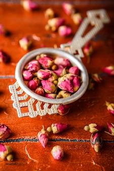 バラのつぼみ茶