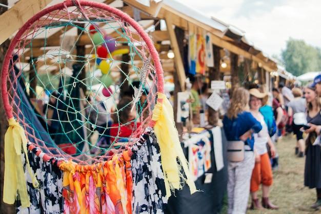 屋外の夏祭り。祭りの背景