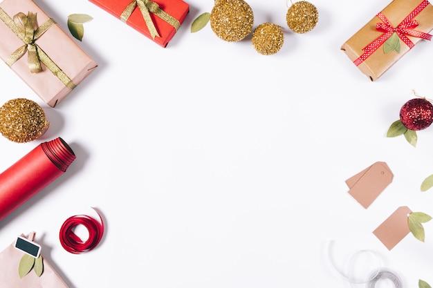 Рождественская композиция подарков
