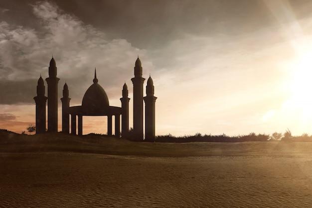 高いミナレットのあるモスク