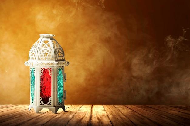 カラフルな光とアラビア語ランプ
