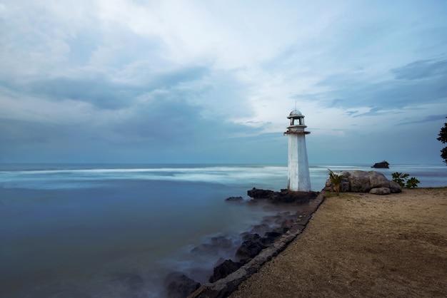 カリタビーチの灯台