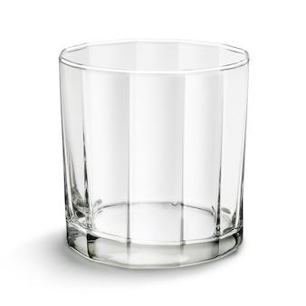 Стакан виски, изолированный