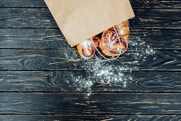 紙袋ベーカリー製品。健康食。