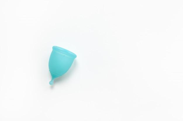 Бирюзовая менструальная чашка