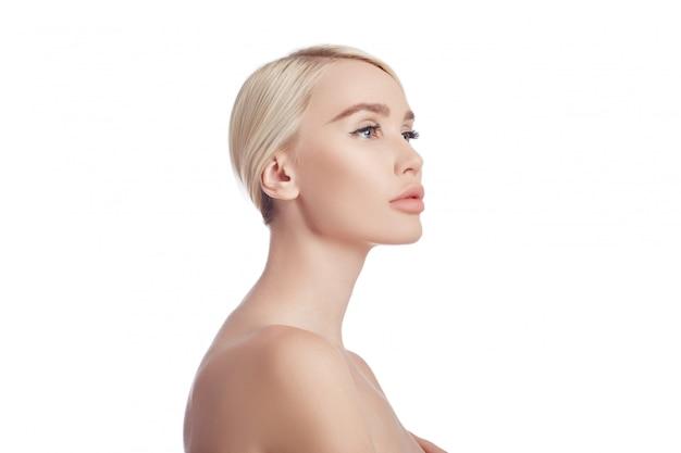 女性の完璧なきれいな肌、しわの化粧品。