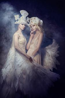 エンジェルニンフ妖精アート写真女性。天使の翼