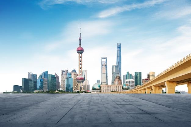 近代的な大都市のスカイライン、上海、中国、上海のパノラマ。