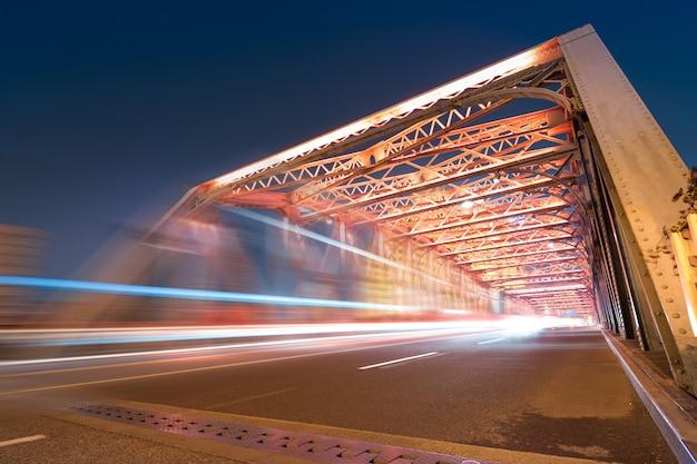 Ночь современного моста,