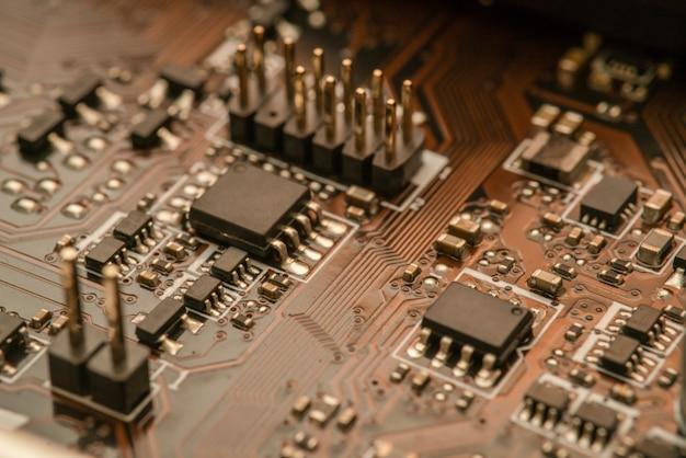 プロセッサ付き電子回路基板