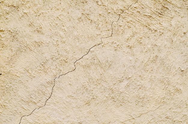 Винтажная цементная стена с трещиной