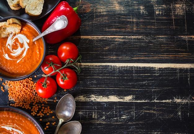Тыквенный суп с густым кремовым фоном