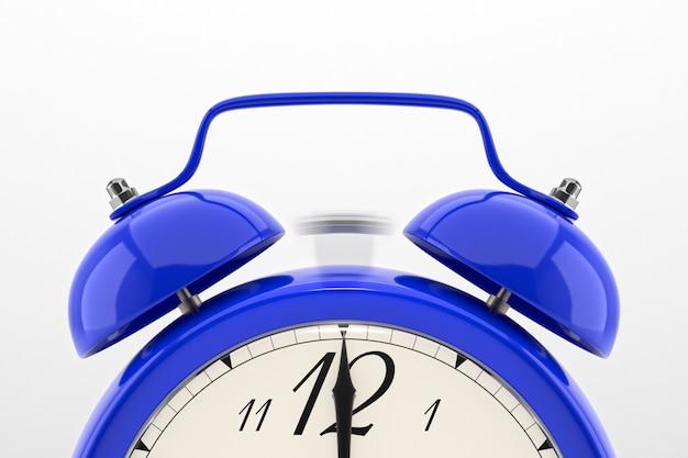 青い目覚まし時計