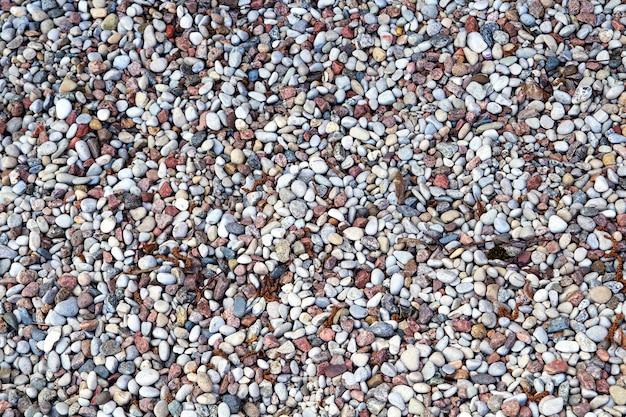 小石がたくさんあるビーチの断片