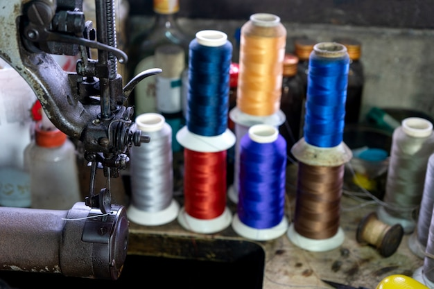 縫製革の靴メーカー作業場所