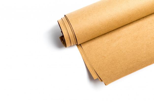 黄色のクラフト紙、白で隔離