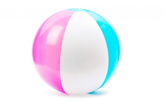 ビーチボール、白で隔離