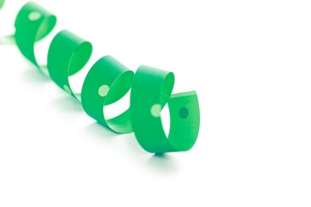 Зеленая лента серпантина