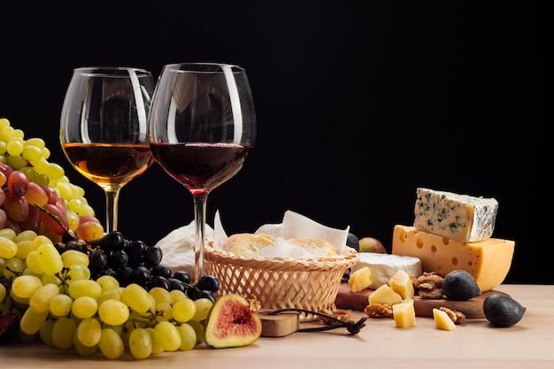 ワインとチーズのテーブル