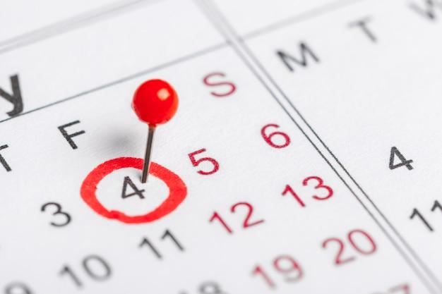 カレンダーページの日付のクローズアップ
