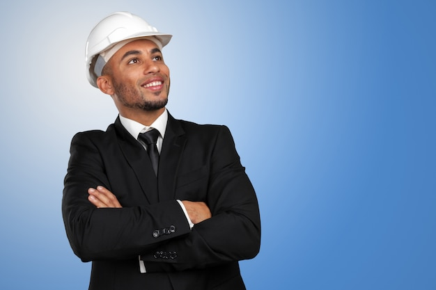 黒人男性のアフリカ系アメリカ人の建設作業員