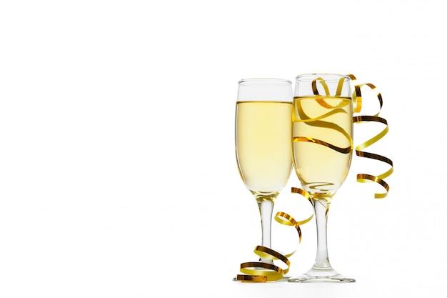 シャンパングラス、白で隔離