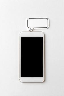 Телефон с пустым речевым пузырем
