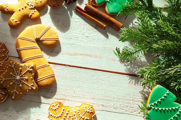 ジンジャーブレッドのクッキーとスパイス