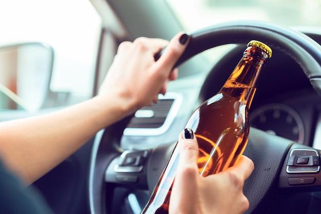Опасная женщина-водитель