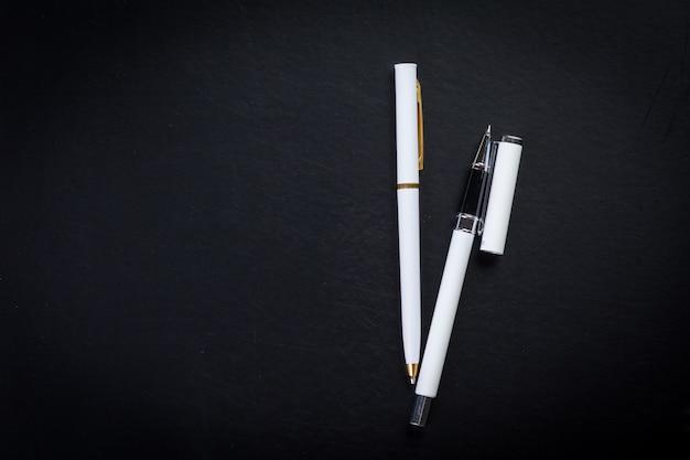 Стол офисный с ручкой