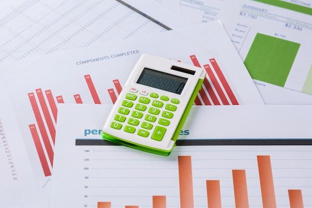 財務グラフとチャート分析