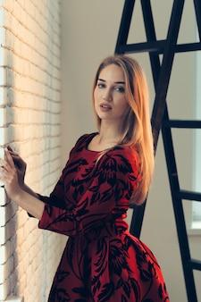 美しい女性の肖像画をクローズアップ