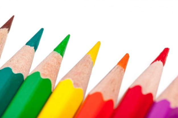Образование или обратно в школу концепции. макро съемка цветной карандаш