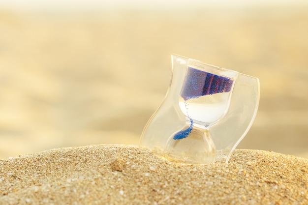 砂浜の砂時計