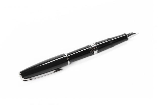 白い背景で隔離の万年筆
