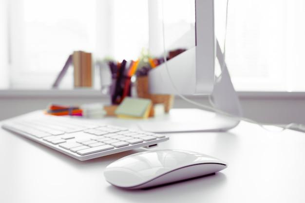 ホワイトオフィスデスクテーブル
