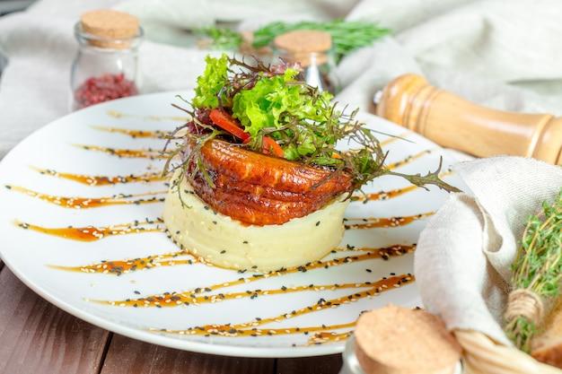 マッシュポテトと魚のフライ